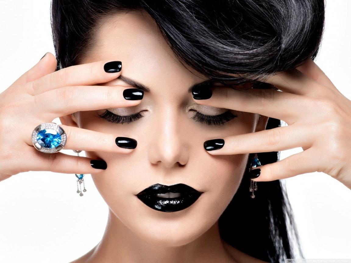 black_lips_black_nails-wallpaper-1152x864